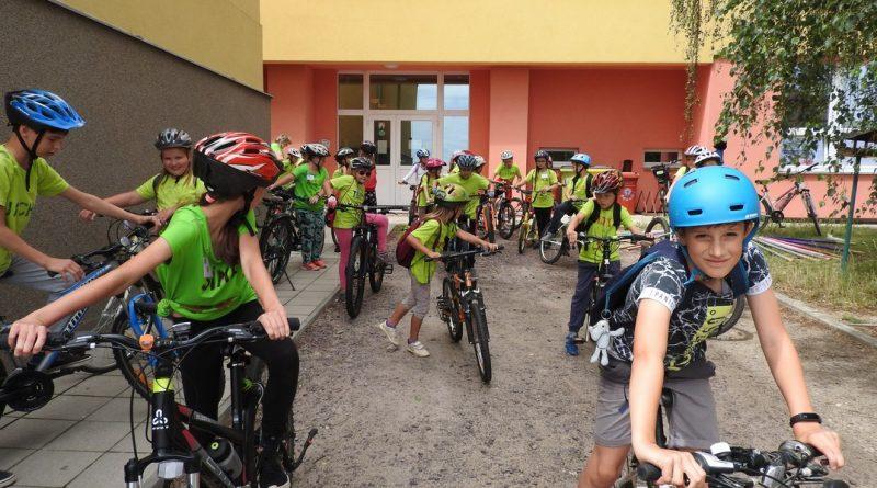 Bob a Bobek jedou na kole – tábor školní družiny